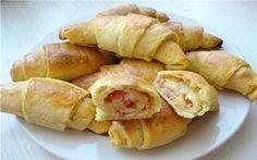 Картофельные рогалики с начинкой из ветчины и сыра. Можно приготовить на завтрак!