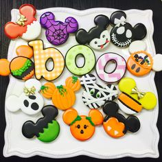 "46 Likes, 9 Comments - Carola Vidal (@galletas_decoradas_chile) on Instagram: ""#trickorcookie#halloweencookies #happyhalloween #taller#galletasdecoradas #cookieart #cookiedough…"""