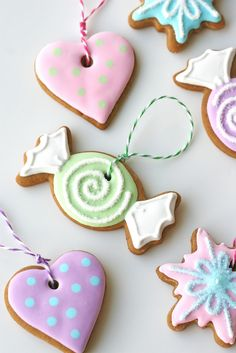 Oh how I love Gingerbread at Christmas! This Sweet Gingerbread Garland is a fun way to enjoy the look and scent of gingerbread all though the holidays! This past weekend I got together with two girlfriends for an early Christmas visit. Both friends live out of town, but each year we make every effort to …