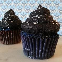 'Under the Stars' Blue Velvet Glitterbomb Cupcakes Ross Sveback