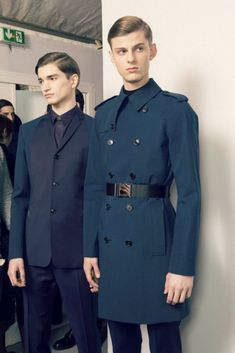 Alexander Ferrario Elvis Jankus - backstage at Dior Homme Vogue Fashion, Boy Fashion, Mens Fashion, Fashion Design, Traje A Rigor, Alexander Ferrario, Suit Vest, Sport Coat, Couture Fashion