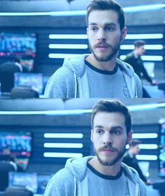 He still cares about the women he loves ❤️ #MonEl #ChrisWood #Supergirl