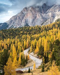 If you've been searching for one of the most awe-inspiring fall drives on earth, look no further than Passo Valparola in the Dolomites of northern Italy. #ABP #forzaitalia🇮🇹 @visititalia @manfrottoimaginemore
