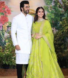 Alia Bhatt and Ranbir Kapoor in Sonam Kapoor wedding reception- mehndi inspiration Celebrity Couple Costumes, Celebrity Couples, Celebrity Weddings, Celebrity Style, Indian Wedding Outfits, Indian Outfits, Indian Weddings, Wedding Dresses, Indian Clothes