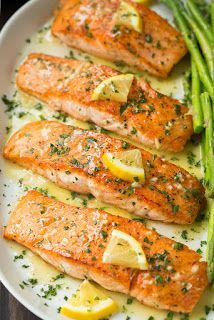 Flavorful, easy to make salmon with a simple garlic lemon butter sauce. Seared i.- Flavorful, easy to make salmon with a simple garlic lemon butter sauce. Seared i… Flavorful, easy to make salmon with a simple garlic… - Sauce Recipes, Fish Recipes, Seafood Recipes, Cooking Recipes, Healthy Recipes, Cooking Tips, Chicken Recipes, Healthy Cooking, Healthy Food