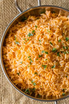 Easy Spanish Rice, also called Mexican Rice, that tastes just like your favorite restaurant side dish with with an easy trick for perfectly fluffy rice! Homemade Mexican Rice, Mexican Rice Recipes, Mexican Dishes, Spanish Recipes, Red Rice Recipe, White Rice Recipes, Spanish Rice Recipe With Tomato Sauce, White Spanish Rice Recipe, Recipes With Rice Easy