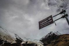 Over Landing in Tibet: Lhasa to Shigatse - http://www.divergenttravelers.com/over-landing-tibet-lhasa-shigatse/ #Tibet #Lhasa #shigatse #china #topphotosoftibet #divergenttravelers