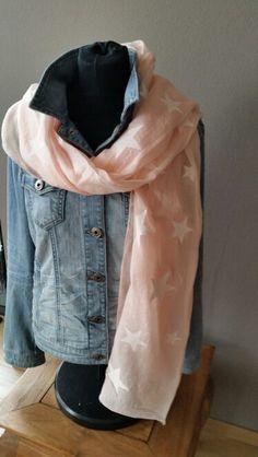 Sterre sjaal ook in bleu  € 9,95