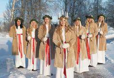 La hermosa celebración navideña de Santa Lucía en Suecia | El 13 de diciembre es un día muy especial en Suecia ya que, se celebra Santa Lucia una ceremonia de navidad enclavada en la sociedad sueca.