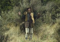 Is it a man or a Bush? Rhys Darby is too much.- Hunt for the Wilderpeople.Honestly one of the best movies I've seen in a while. Wilder People, Hunt For The Wilderpeople, Sam Neill, Taika Waititi, Movies Worth Watching, Family Movie Night, Real Hero, Great Films, Best Tv