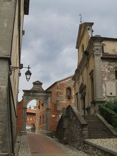 Passage to Castello courtyard, Udine, Italy by Paul McClure DC, via Flickr