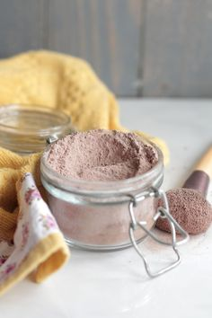 Homemade Foundation Powder Make-Up - and links to other great homemade makeup and skincare products