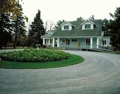 Half Circle Driveway Landscaping Ideas | 945 circle drive Los ...
