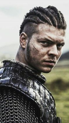 Ivar Vikings, Vikings Tv, Viking Drawing, King Ragnar, Earl Ragnar, Viking Pictures, Viking Wallpaper, Tattoos 3d, Vikings Show
