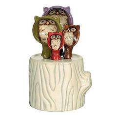 Crimson Hollow Ceramic Owl Measuring Spoons with Log Holder- Grasslands Road Ceramic Spoons, Ceramic Owl, Owl Kitchen, Kitchen Dining, Kitchen Decor, Kitchen Ideas, Kitchen Stuff, Kitchen Gadgets, Dining Room