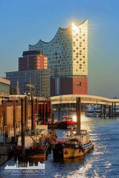 Elbphilharmonie - Hamburg     – – –     Bald geht's los!