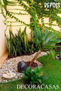 Como fazer um caminho de pedras para enfeitar e decorar seu jardim. Flávia Ferrari mostra o passo a passo em fotografias, desde a colocação do separador de grama, à manta até a finalização.