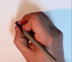 GIFs Reveal the Visually Satisfying Process of a Hand-Lettering Expert - My Modern Met