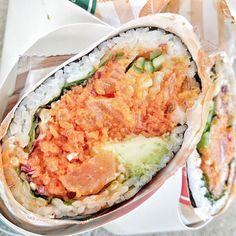 Where was this when I was craving sushi so badly today?  Would've gone for some @sushittontheroad!    Sushitto On The Road   Spicy Salmon Sushi Burrito   Toronto Ontario _____ For Travel and Nature IG: @TravellingFoodieExplores  Twitter/ Snapchat: TravellinFoodie _____ #TravellingFoodieEatsAndDrinks #TravellingFoodie  #TravellingFoodieDoesToronto #Sushitto…