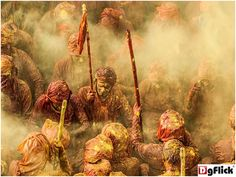 IouliaChvetsova captured this image, it represents Lathmar Holi Festival, which includes Hindu devotees throwing colors at one another in celebration of spring.#bestphotography