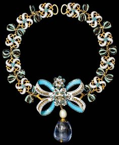 Necklace with Sapphire Pendant, bow about 1660, chain and pendant probably 18-1900. Museum no. M.95-1909. Bequeathed by Lady Alma-Tadema. © Victoria & Albert Museum, London