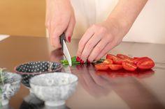 il piano cucina in acciaio inox di OneClod ideale per impastare pane, pasta, pizza, dolci e non solo Garlic Press, Pane, Plastic Cutting Board, Pizza