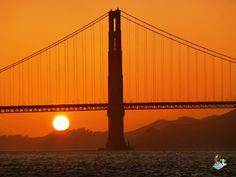 Atardecer sobre el Puente del Golden Gate en San Francisco (USA)