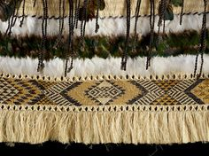 Due to huge interest in an exhibition of Maori kakahu, or cloaks, from artists including the renown weaving family Hetet-Te Kanawa; free access to the exhibition has been allowed by the organisers before the wider Miromoda fashion show. Maori Designs, Maori Patterns, Textile Patterns, Textiles, Flax Weaving, Basket Weaving, Maori Tribe, Feather Cape, Art Grants
