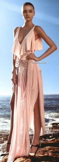Miranda Kerr in Yves St Laurent - for more fashion visit http://pinterest.com/franpestel/fashion-rien-que-de-la-mode/