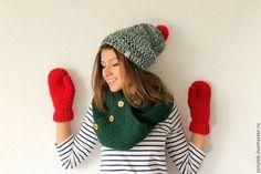Комплект из кругового шарфа, шапки и варежек Merry Christmas - шапка вязаная
