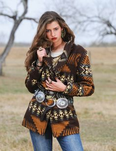 If you had boot, shoes, scarf, or something to pair with this coat it's pretty on it's own but I'd want something else to tie the outfit together,Your not always going to wear a coat indoors. Cowgirl Mode, Cowgirl Chic, Cowgirl Style, Cowgirl Tuff, Western Chic, Western Wear, Moda Boho, Country Outfits, Western Outfits