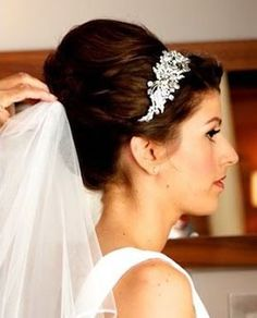 brida hair: gorgeous_high_deep_audrey_hepburn_long_bridal_hair