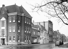 Groningen: Nieuwe Boteringestraat westzijde, gezien naar het noorden in 1960 met de hoek Ossenmarkt en de hoek Guyotplein
