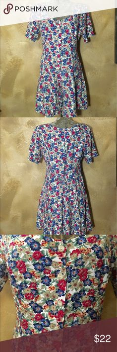 EUC Vintage Express Floral Long Button Up Romper EUC Vintage Express Floral Long Button Up Romper   Size: M - Could fit a L   Measurements can be provided upon request 📝  Fabric Content 👗 100% Rayon  Features ✨ •Comfortable, soft, and stretchy  •Quality material that's made to last  •Button-Up Style •Runs longer than modern rompers •Removeable shoulder pads  •Bow detailing on back of waist  •EUC  Get 15% off when you buy 3+ items plus save on shipping! 💸 Thanks for looking 💕 Express…