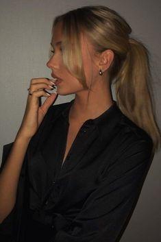 Hairstyles With Bangs .Hairstyles With Bangs Blonde Hair Looks, Brown Blonde Hair, Black Hair, Blonde Hair Bangs, Blonde Long Hair, Blonde Honey, Honey Balayage, Honey Hair, Light Blonde