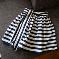 Most current Free of Charge sewing dresses for little girls Suggestions Glockenrock, Streifenmuster, Blau-weiß, Blockstreifen, DIY Diy Fashion, Ideias Fashion, Fashion Dresses, Fashion Purses, Make Your Own Clothes, Diy Clothes, Clothing Patterns, Dress Patterns, Pattern Skirt