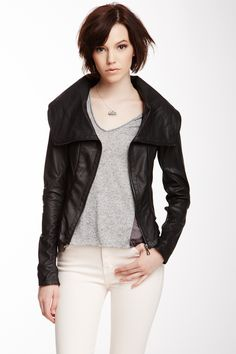 12) Clothes: fall must-haves: Leather Jacket #organizedliving #organizedcloset