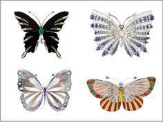 """Insetti da indossare. Dalle infradito firmate Patrizia Pepe alla Dragonfly Knucklebox di Alexander McQueen scegliete l'accessorio che fa per voi per dare sfogo alla vostra voglia di """"indossare"""" la primavera. Guarda la Gallery"""