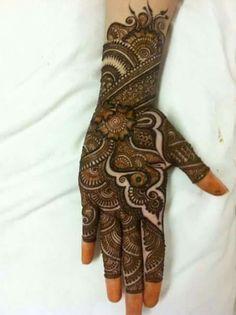 Simple Floral Mehndi Henna Designs For Hands - ArtsyCraftsyDad Indian Mehndi Designs, Mehndi Designs 2018, Modern Mehndi Designs, Mehndi Design Pictures, Mehndi Designs For Beginners, Wedding Mehndi Designs, Beautiful Henna Designs, Mehndi Images, Beautiful Mehndi