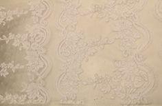Birbirindel özel gelinlik dantelleri en uygun gelinlik dantel fiyatları ile Kaptan kumaş mağazalarında beğeninize sunulmaktadır. 4447578