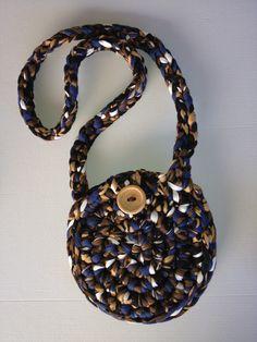 Round T-shirt yarn bag Bolso redondo de trapillo