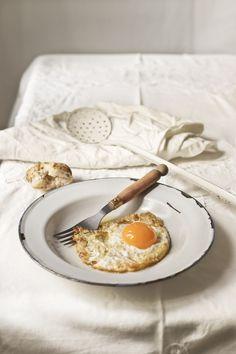 Who doesn't love eggs for breakfast?  #breakfast #eggs #sunnysideup.
