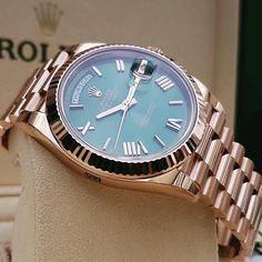 Rolex Day-Date. What do you think about this Rolex watch? Elegant Watches, Beautiful Watches, Amazing Watches, High End Watches, Cool Watches, Rolex Or Rose, Rolex Day Date, Swiss Army Watches, Expensive Watches