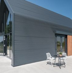 IJzersterk concept - De stalen woning Steel Frame House, Steel House, Farmhouse Addition, Steel Sheds, Prefab Modular Homes, Wooden Buildings, Loft Interiors, Shed Homes, Modern House Plans