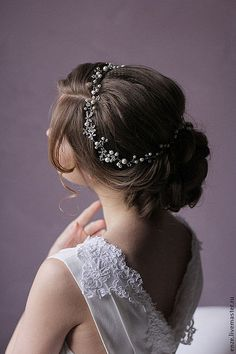 Ivory pearls and crystals make this headpiece ($70) look lovely from any angle. // Affordable Bridal Hair Accessories
