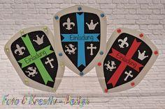 Dein tapferer Ritter lädt zur Kindergeburtstagsparty! Da muss die Einladung entsprechend ritterlich passend sein. Hier ist eine wunderschöne Idee dafür. Danke für diese schöne Idee! Dein balloonas.com #kindergeburtstag #balloonas #ritter #motto #party #einladung #jungs