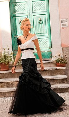 Linea Raffaelli Romantic Bride in Black & White