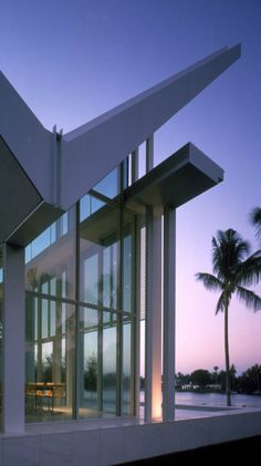 Richard Meier & Partners Architect -- Neugebauer House  Naples, Florida  1995 - 1998