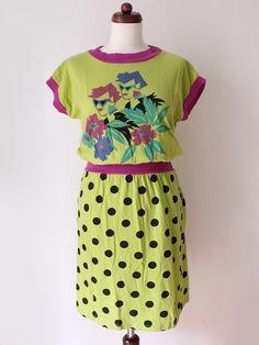 Lime Green 80's Dress  Vintage Jersey von PaperdollVintageShop, €29,90