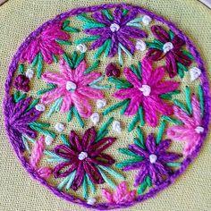 #miniatura #bordado #embroidery #puntomargarita #handmade #bordadoamano #flores